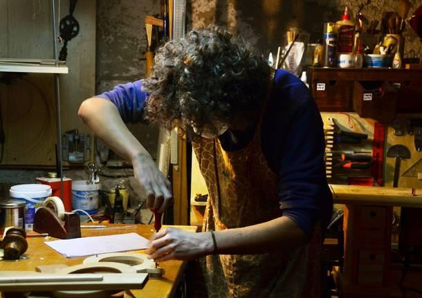 Paolo-Bianchi-at-work-in-waiz-workshop